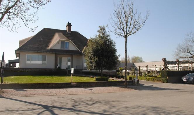 Gebouw voor gemengd gebruik te huur in Torhout